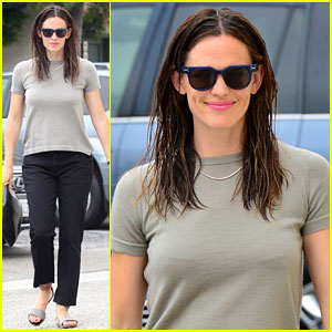 Jennifer Garner Spends Her Sunday Morning at Church with Her Kids
