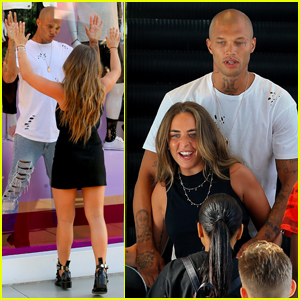'Hot Felon' Jeremy Meeks & Chloe Green Goof Off at Topshop in LA
