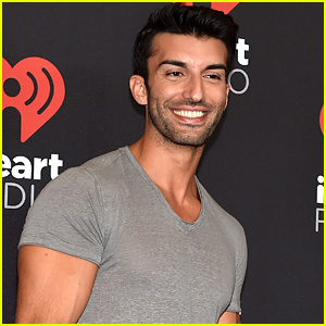 Justin Baldoni Developing New Talk Show 'The Men's Room'