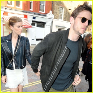 Kate Mara Laughs Off Report About Banning Rooney's Boyfriend Joaquin Phoenix from Wedding