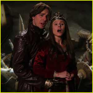 Kristen Bell & Dax Shepard Recreate 'Game of Thrones' Opening Sequence (Video)