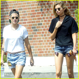 Kristen Stewart & Stella Maxwell Grab Sunday Lunch Together