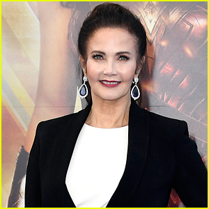 Lynda Carter in Talks to Join 'Wonder Woman' Sequel
