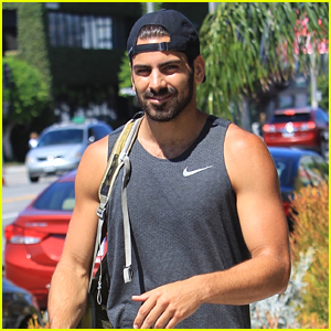 Nyle DiMarco Shows Off His Arms While Heading to the Gym!
