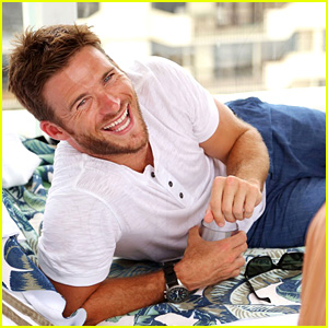 Scott Eastwood Hangs by the Pool at the Treats! Party