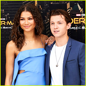 'Spider-Man' Stars Tom Holland & Zendaya Are Dating (Report)