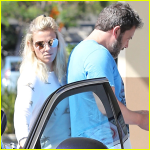 Ben Affleck & Lindsay Shookus Couple Up For Afternoon Together!
