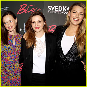 Blake Lively Draws America Ferrera Into 'Sisterhood of the Traveling Pants' Reunion Pic!