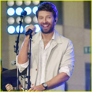 Brett Eldredge Fulfills Life-Long Dream at 'Today' Concert - Watch Performances Here!