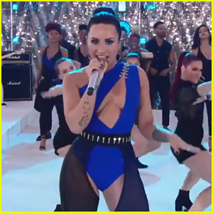 Demi Lovato Performs 'Sorry Not Sorry' at VMAs 2017 (Video)