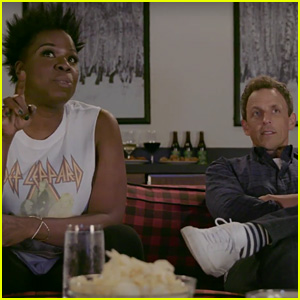 'Game of Thrones' Actor Crashes Leslie Jones & Seth Meyers' Viewing Party (Video)