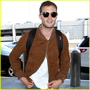 Jamie Dornan Zippers His Jacket In an Interesting Way!