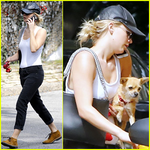 Jennifer Lawrence Brings Her Dog Along for a Taxi Ride!