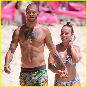 5a5360c8182 Jeremy Meeks   Chloe Green Match in Denim Outfits While on a Coffee ...