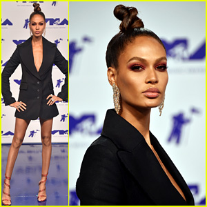 Joan Smalls Wore a Blazer as a Dress to the VMAs & Looked So Fierce