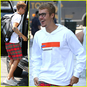 Justin Bieber Looks Super Stoked For Last Day of Zoe ...