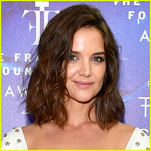 Katie Holmes to Star in Film Adaptation of Self-Help Book 'The Secret'