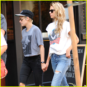 Kristen Stewart & Stella Maxwell Hold Hands for NYC Outing