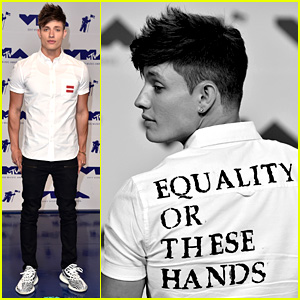 Matt Rife Preaches Message of Equality at MTV VMAs 2017