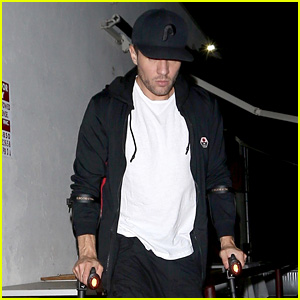Ryan Phillippe Walks on Crutches After Breaking His Leg