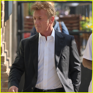 Sean Penn Suits Up for a Day Out in New York City