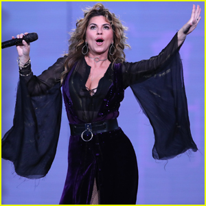 Shania Twain Celebrates Her Birthday at US Open Ceremony!