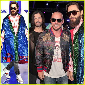 Thirty Seconds to Mars Pose for Pics Ahead of VMAs 2017 Performance!