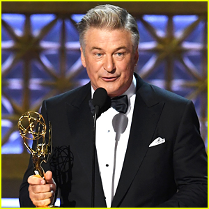 Alec Baldwin Offers His Emmy Award to Donald Trump!