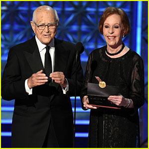 TV Legends Carol Burnett & Norman Lear Present at Emmys 2017