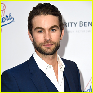 Chace Crawford Reunites with His Lost Dog with the Help of Twitter!