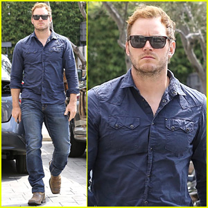Chris Pratt is All Business While Arriving at Early Meeting
