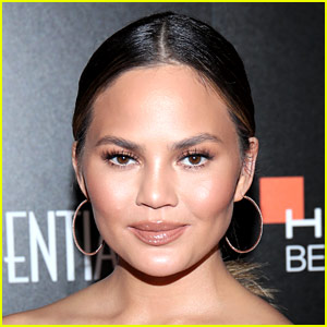 Chrissy Teigen Just Learned What the Word 'Stan' Really Means!