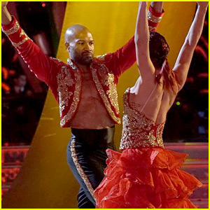 Derek Fisher Performs a Paso Doble on 'DWTS' Latin Night (Video)