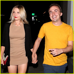 Frankie Muniz & Girlfriend Paige Price Hold Hands on Date Night