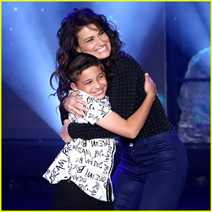Idina Menzel Surprises Talented 11-Year-Old Fan on 'Ellen,' Watches Him Sing 'Let It Go' Again!