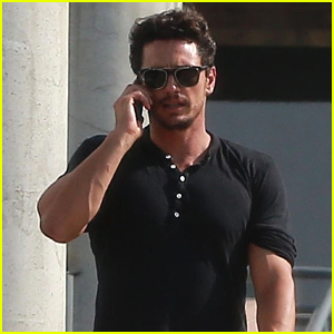 James Franco Shows Off His Buff Muscles in a Tight, Black Shirt!