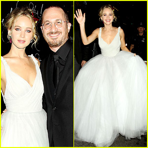 Jennifer Lawrence Has Princess Moment at 'mother!' NYC Premiere!