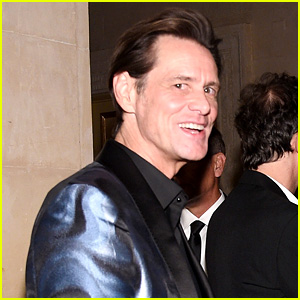 Jim Carrey Gives Bizarre Interview at NYFW Event (Video)
