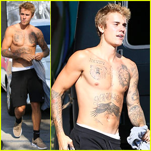 Justin Bieber Shows His Shirtless Physique at the Skate Park