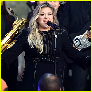 Kelly Clarkson Performs New Songs During 'Today Show' Concert! (Video)