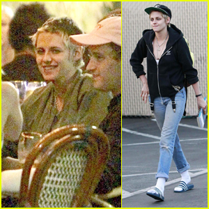 Kristen Stewart Grabs Dinner with Emma Roberts in Los Feliz
