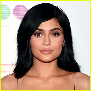 Pregnant Kylie Jenner Shares First Social Media Post Since Pregnancy Reveal