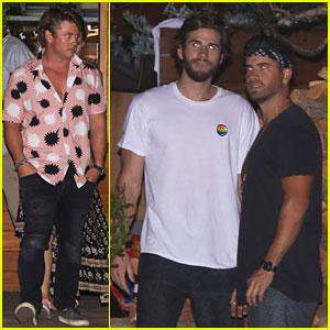 Liam & Luke Hemsworth Grab Dinner with Friends & Family