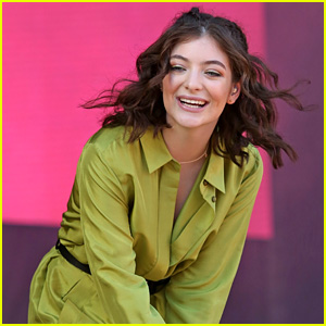 Lorde Dances Around in Vancouver for iHeartRadio Show