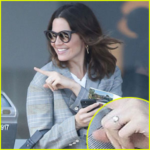 Mandy Moore Shows Off Her Engagement Ring (Photos)