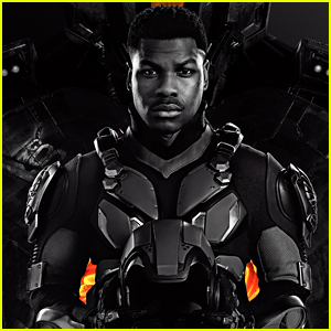 'Pacific Rim Uprising' Gets Official Poster!