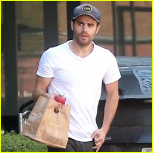 Paul Wesley Grabs Food from Vegan Restaurant Cafe Gratitude