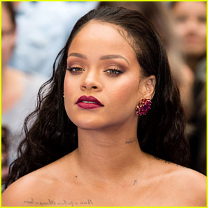 Rihanna Reveals First Look at Fenty Beauty Makeup Line!
