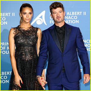 Robin Thicke Walks Red Carpet with Pregnant Girlfriend April Love Geary!