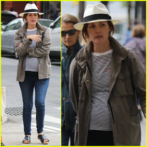 Rose Byrne Shows Off Her Growing Baby Bump in NYC!